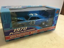 Racing Champions 1:24 Die-cast Petty Racing 50th '70 Plymouth Superbird #43