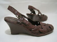 WHITE MOUNTAIN Women's 8.5M Brown Croc Print Slingback Wedge Heel Sandals Shoes