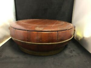 A LARGE DECORATIVE CHINESE WOODEN STORAGE BOX