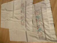VTG Set of 2 Hand Embroidered Pillowcases White Blue Pink Cat Design Border