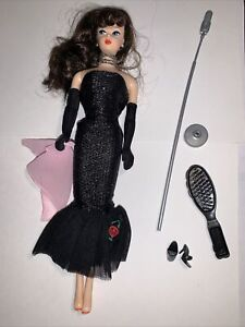 Barbie 1995 Solo In The Spotlight Reproduction Brunette Newly Unboxed (537)