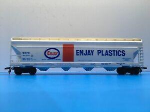 "HO Scale ""Enjay Plastics"" SHPX 52701 Covered Hopper Freight Train Car"