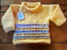 Jersey bebé. Hecho a mano realizado en lana. Color amarillo . Talla 6-12 meses