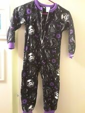 NEW W/ TAGS GIRLS ONE PIECE STAR WARS SLEEPWEAR SIZE 4/5 FLAME RESISTANCE  100%