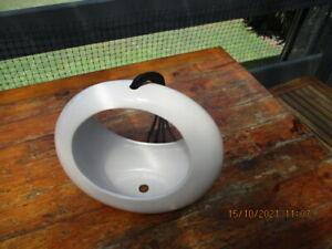 Large 28cm x 27cm White Ceramic Circular Hanging Vase