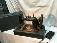 VINTAGE ANTIQUE 1900s New Home   CAST IRON INDUSTRIAL SEWING MACHINE