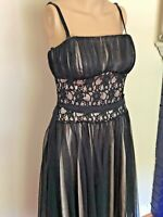 White House Black Market Cocktail Dress Size 4, Small, Lace bodice with Tulle