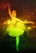 """11x16"""" 28x40cm Ballet Dancer - True 3d Laser hologram on glass"""