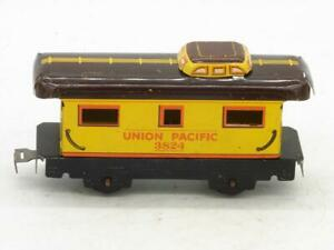 Marx 3824 Union Pacific Caboose Black Frame with Sliding Pinch Tab Coupler #4