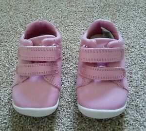 Baby Girls CLARKS size 3G pink FIRST WALKING SHOES VGC- FREEPOST