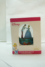 DISNEY MUSICAL SNOW GLOBE WATERBALL PRINCESS CINDERELLA NEW IN BOX CHRISTMAS