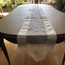 Dining table center runner snowflake center silver White Tablecloth Accent