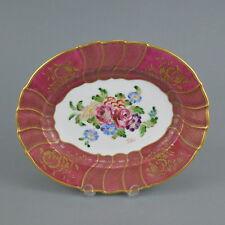 Plat en porcelaine peint à la main décor fleurs 33x27 cm