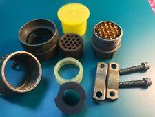 MS3116F14-19P Straight Plug, 19 Contacts, Solder Pin, Bayonet, 14-19