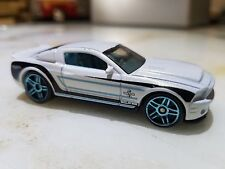 Hot Wheels Ford Shelby Mustang GT500 Super Snake Pearl White w Black & Blue Stri