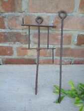 Old  Antique Garden Line and Pin  (528)