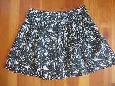FOREVER 21 Twenty One BLACK & WHITE Print Flirty Mini Skirt womens XSmall XS