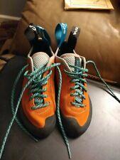Scarpa Helix Climbing Shoe - Women's size 4.5 leather 70005 X Sedge