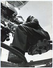 Photo Federico Fellini - Tournage - Epreuve argentique d'époque -