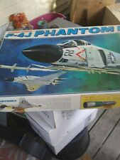 1972 REVELL F-4J PHANTOM II MODEL KIT 1/32 OPENED