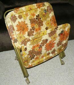 Vintage Quaker Fiberglass Flower Power TV Trays Floral Design - Set of 4 w/Stand