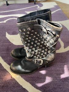 Frye Boots 6 (worn twice)