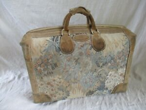 French Luggage Co Paradise rare vintage floral tapestry shoes duffle bag 19 in