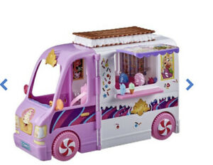 Disney Princess Comfy Squad Sweet Treats Truck, Playset with 16 Accessories New