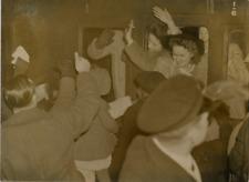 États-Unis, G.I. Brides and babies to U.S. reception camp at Tidworth  Vintage s