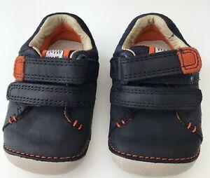 Clarks First Shoes Size 2 1/2 G Navy -Orange Pattern Childrens /Toddler/Boys
