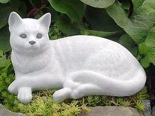 Steinfigur Katze liegend Dekofigur Tierfigur Skulptur Gartenfigur frostfest