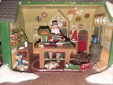 Hawthorne village Xmas Holiday HO Santa's Ultimate train workshop Batery Powered
