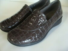 NWOB Women's 7 M Clarks COLLECTION GRAY CROC VEGAN LOAFERS SLIP ON DRESS SHOES