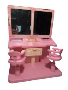 Mattel Vintage Barbie DREAM HOUSE Salon Vanity & Chairs, Pink