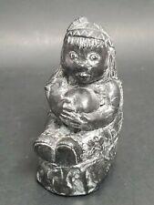 Soapstone Carving Eskimo Girl Holding Ball Handmade Al Wolf Canada Fait ala Main