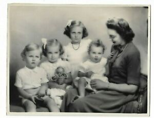 6 x 9 original Marcus Adams Photo Mrs. Cosmo Russell & Children