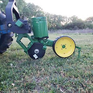 1 John Deere 71 one row Corn Planter, Deer food plot sweet corn pumpkin sorghum