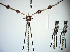 Ladies Dress Jewelery Set with Amber Coloured Stones