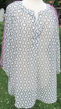 Alyx Women's Plus Size 1X White V-Neck Square Pattern 3/4 Sleeve Blouse Top