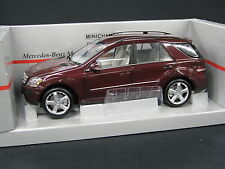 Minichamps Mercedes-Benz ML-Class 2005 1:18 Red Metallic (JS)