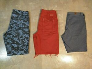 EUC lot of 3 men's ABERCROMBIE, DC, AMERICAN EAGLE shorts / SIZE 32 / AWESOME!!!