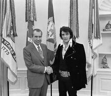 Elvis Presley & President Richard Nixon UNSIGNED photo - M9275 - December, 1970