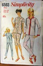 Simplicity Sewing no.6593 Ladies  pajamas size 18 vintage