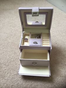 Pretty Vicenza Jewellery Box Lilac Colour, Real Leather, Great Size For Storage