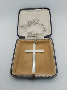 Pre Owned Solid Silver Cross & Chain(14.7 grams)18 inch Curb chain