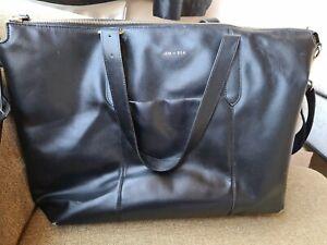 Jem + Bea Changing Bag Beatrice - Black leather handbag