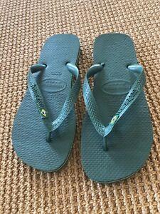 Havaianas Men's Brazil Logo Green/Yellow Stripe Flip Flops~Size 8 NWT