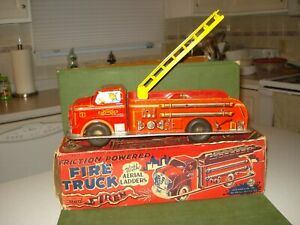 1950's MARX TIN FRICTION FIRE TRUCK WITH BOX, 14 INCHES, NICE LITHOS
