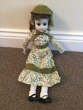 VINTAGE Bambola di Porcellana Bisque testa mani piedi corpo di stoffa ponderata occhi Antico