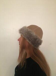 "$160 NWOT Spanish Merino Shearling Skiing light grey beige Fur Hat Size 21"""